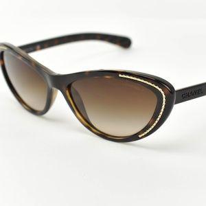 """CHANEL """"Cat Eye"""" Tortoise Brown Logo Sunglasses bn"""